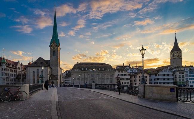 SCHWEIZ: Reformierte Kirche Zürich schafft Stelle für LGBTI+ Anliegen